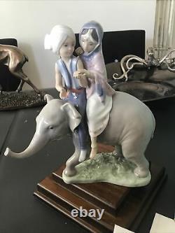 Lladro Figurine Boxed 5352 Hindu Children On Elephant