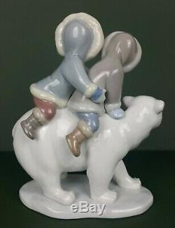 Lladro Figurine Eskimo Riders Model No. 5353 (Ceramic, Porcelain)