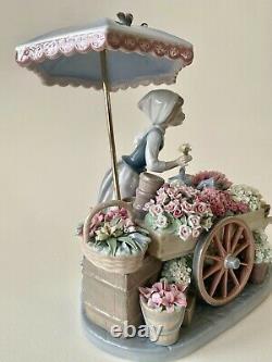 Lladro Figurine Flowers of the Season Porcelain 1983