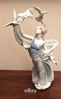 Lladro Figurine NEW HORIZON #6570 Inspiration Millennium VGC