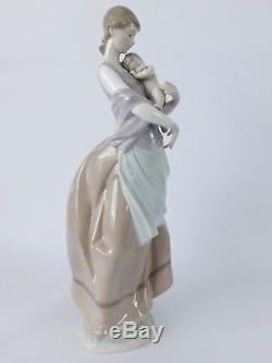 Lladro Figurine Peaceful Moment 6179 14 1/2 Tall