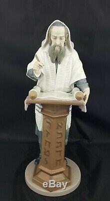Lladro Figurine Rabbi Reading the Torah Model No. 6208
