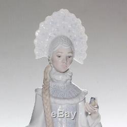 Lladro Figurine, Snow Maiden, 8412, Boxed