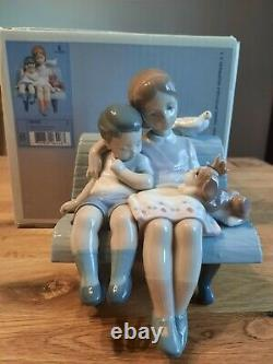 Lladro Figurine Surrounded by Love. Item No 6446 Boxed & Mint Condition