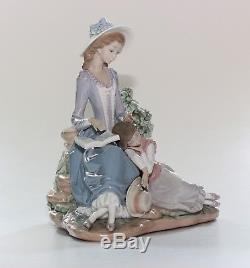 Lladro Figurine, Woman And Sleeping Girl, 5085