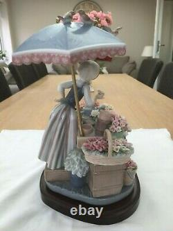 Lladro'Flowers of the season' gloss porcelain sculpture model 1454