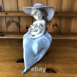 Lladro Fragrant Bouquet 5862 Genuine Amd Mint Condition
