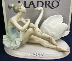 Lladro GRACE & BEAUTY ballerina with swan model 5714 BOXED