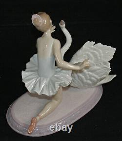 Lladro GRACEFUL DANCE Sku01006205 Ballerina with Swan Sh 40