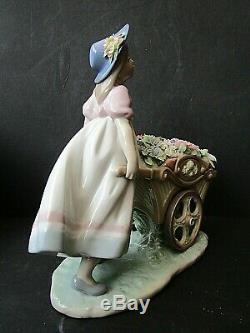 Lladro Girl with Wheel Barrow Full of Flowers Love's Tender Tokens Boxed