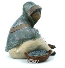 Lladro Gres Fish Vendor Figurine 2162 Retired 1985-94 Vendedora de Pescado