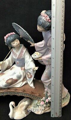 Lladro Group HN 1445 Springtime in Japan Two Geisha Girls on Bridge
