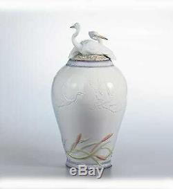 Lladro HERON'S REALM COVERED VASE (6880)
