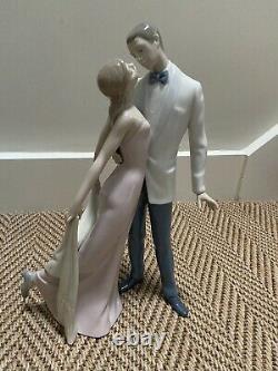 Lladro Happy Anniversary couple