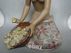 Lladro Hawaiian Flower Vendor 2154 # Boxed # Gres Figure
