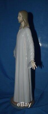 Lladro Jesus Model No 5167- Mint Condition