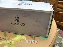 Lladro Loving Mouse Rare Model 05883 Boxed