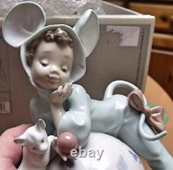 Lladro Mischievous Mouse Rare Model 05881 Boxed