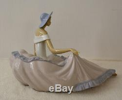 Lladro Nao Figurine Grace 1265 Lady Figurine