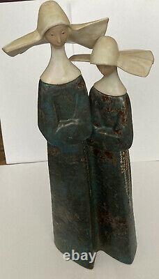 Lladro Nuns 2075 in Gres Finish