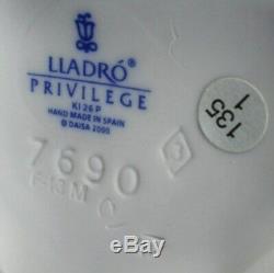 Lladro PRINCE OF ELVES privilege Model 7690 BOXED