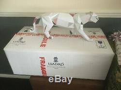 Lladro Panther 01009298 Absolute Stunning Piece Almost 2 Feet Long