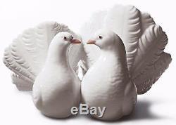 Lladro Porcelain Couple Pair of Doves Birds Figure Figurine Ornament 01001169