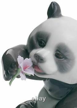 Lladro Porcelain Figurine A Cheerful Panda 01008358 Was £165.00 Now £140.00