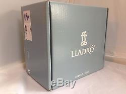 Lladro Porcelain Figurine A Fantasy Breath 1009223