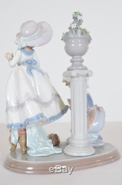 Lladro Porcelain Figurine A Stitch in Time #5344 Girl Sewing Dress