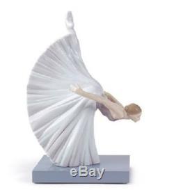 Lladro Porcelain Figurine Giselle Reverence 1008474
