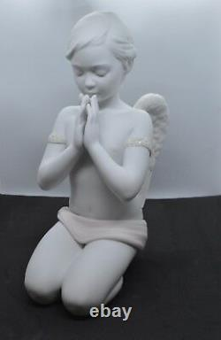 Lladro Porcelain Figurine Heavenly Prayer 1009291