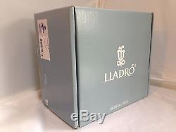 Lladro Porcelain Figurine Ingenue 1005487