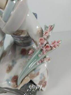 Lladro Porcelain Figurine Kiyoko Model No. 1450, Appr. 17.5cm Tall