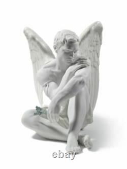 Lladro Porcelain Figurine Protective Angel 01008539 Was £820 Now £695.00