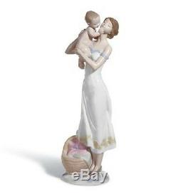 Lladro Porcelain Figurine Unconditional Love 01008244