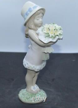 Lladro Porcelain Figurine You Deserve The Best 01008313 Was £395 Now 3335.50