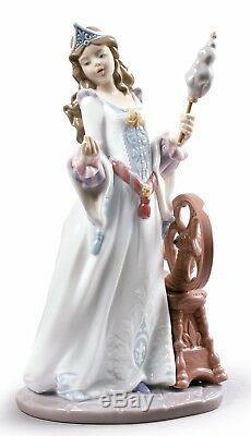 Lladro Porcelain Sleeping Beauty Figurine Girl Lady Ornament 25cm 01009189
