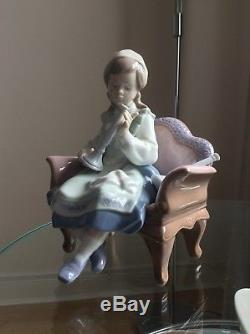 Lladro Preparing for the Sabbath RARE 6183 retired Figurine Young Girl in Chair