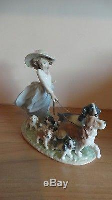 Lladro Privilege Figurine Puppy Parade LZ55F/6784