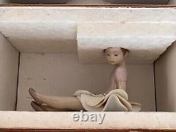 Lladro Rosy Posey Figurine Retired Mint Condition