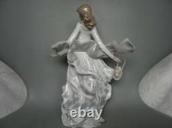 Lladro Spring Splendor Figure Lady Girl With Flower Basket #5898