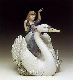 Lladro Swan and The Princess. 5705. With box