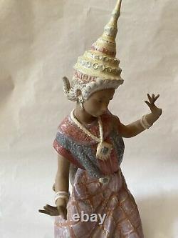 Lladro Thai Dancer