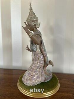 Lladro Thai Dancer Kneeling Figurine With Base # 2069 Gres Finish
