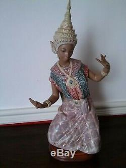 Lladro Thai Siamese Lady Figure