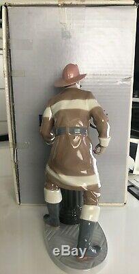 Lladro The Fireman Figurine The Fireman 5976