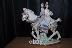 Lladro Valencian Couple On Horse Figurine #1472