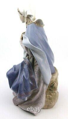 Lladro Virgin Mary Figurine 1387 Retired 1981-2007 Virgin Nacimiento