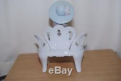 Lladro Waiting In The Park Figurine #1374